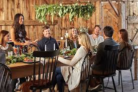 Fixer Upper U0027s Chip And Joanna Gaines Friendsgiving People Com