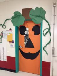 Cheap Halloween Decorations Door Decoration For Halloween Halloween Centerpieces Ideas Scary