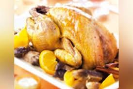 cuisine chapon roti chapon rôti aux cèpes parfumé à l orange