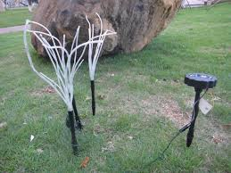 compare prices on plastic lawn ornaments