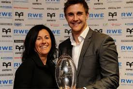 what happened to ashley beck ospreys centre ashley beck scoops fans player of the year award
