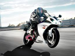 suzuki gsxr 750 wallpaper free hd wallpaper