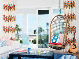 decorate a stylish family friendly house coastal