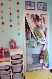 Kinderzimmer Schaukel Eine Kuschel Und Leseecke Im Kinderzimmer Gestalten Und Dekorieren