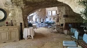 chambre d hotes les baux de provence un restaurant dans le rocher des baux photo de hôtel le d
