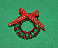 beaded christmas wreath red green clear add bow diy christmas
