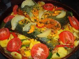 cuisiner un saumon entier tajine de saumon entier aux poivrons ines au fourneau