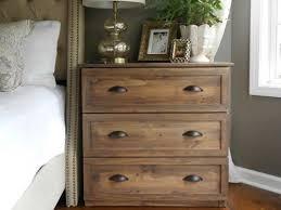 How To Decorate Master Bedroom Best 25 Diy Nightstand Ideas On Pinterest Crate Nightstand