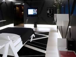 Cool Bedroom Furniture by Bedroom Decor Bedroom Furniture Dazzling Black Wall Paint