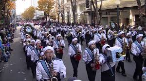 interlake high school marching band in the 2015 seattle macy s day