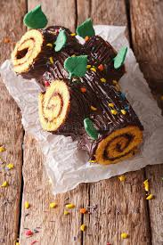 cuisine buche de noel buche de noel chocolate yule log cake stock