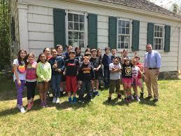 lynwood 3rd graders visit 1850 one room house
