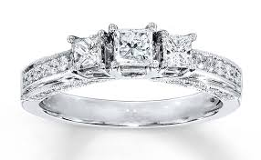 how much does an engagement ring cost how much do diamond rings cost answered