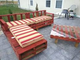 Build Cheap Patio Furniture by How To Build Outdoor Furniture With Wood Pallets Pallet Couch For
