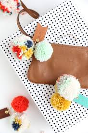 pom pom cuisine diy pom pom leather luggage tags