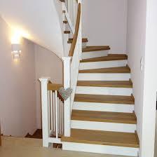 treppen holzstufen holzstufen auf beton treppen vom profi schreinerei theis