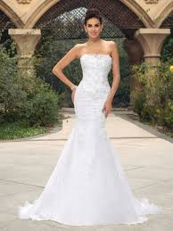 white strapless mermaid wedding dress with sweetheart wedding