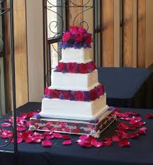 cake pillars three tiered square wedding cake separated with pillars
