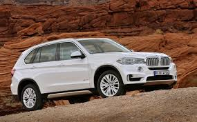 roll royce bmw bmw x7 being engineered alongside rolls royce suv v12 likely
