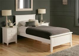 Modern Wood Queen Bed Bedroom Decorating White Bedroom Wooden Queen Bed Nightstand