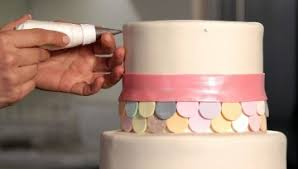 how to paint a metallic finish on a wedding cake howcast the