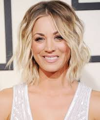 penny bun hairstyle big bang this is what it takes for kaley cuoco to become penny kaley