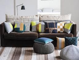 coussin déco canapé coussin de decoration pour canape beautiful un coussin tricoté des