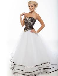 camo dresses for weddings best 25 camo wedding dresses ideas on camo wedding
