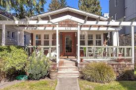 updated 1920 u0027s bungalow waiting in wallingford for 475k curbed