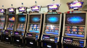 pre owned and used casino slot machines dealer
