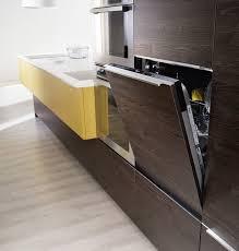 cuisine lave vaisselle en hauteur comment restructurer un petit espace mobalpa international