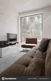 chambre avec vue chambre avec baie vitrée avec vue sur forêt photographie