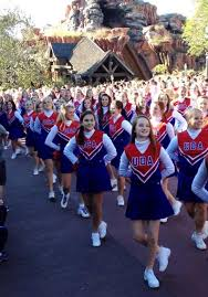 local performed in thanksgiving day parade at walt