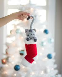 chester the curious christmas cat free crochet amigurumi pattern