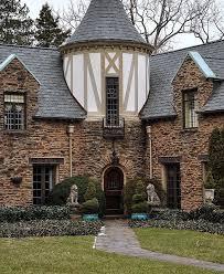 English Tudor Style 25 Best Tudor Style House Ideas On Pinterest Tudor Homes Tudor