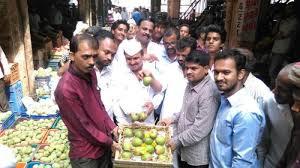 vashi market vashi goes bananas over mangoes