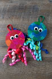 how to make a an upcycled cd and ribbon jellyfish craft