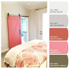 remodelaholic apps to match and find paint color palettes from a