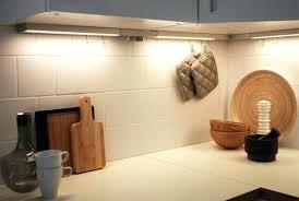 eclairage plan de travail cuisine baguette finition plan de travail cuisine eclairage de cuisine intgr