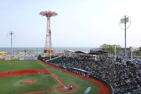 your guide to seeing the brooklyn cyclones at coney island u0027s mcu