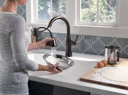 Delta Faucet Cassidy Kitchen by Faucet Com 9197t Ar Dst In Arctic Stainless By Delta