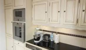 cuisine couleur ivoire cuisines rocchetti cuisines bois de couleur meubles rocchetti
