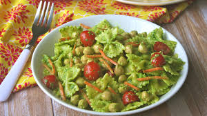 meatless monday spinach pesto pasta salad with chickpeas