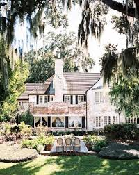 southern plantation style homes best 25 plantation houses ideas on plantation homes