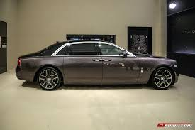 phantom ghost car geneva 2017 rolls royce ghost with diamond paint finish gtspirit