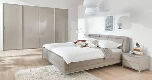 modern schlafzimmer fern on moderne deko idee mit komplett weiss