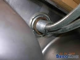 d駑onter robinet cuisine démontage écrou fixation robinet