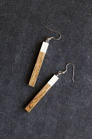 diy wood earrings this would be a great christmas gift for