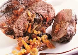 cuisiner gigot de chevreuil cuissot de chevreuil au pinot noir et aux fruits sec a vos