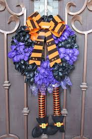 diy halloween balloon wreath